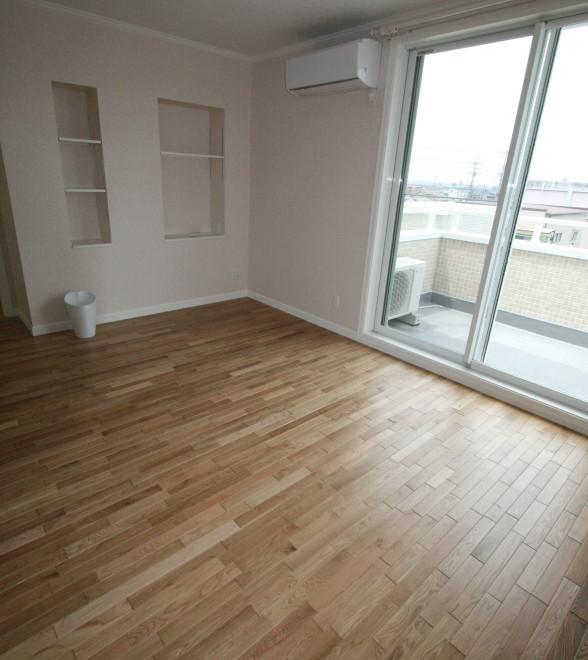 お洒落な床材を使った家